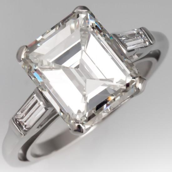 STUNNING VINTAGE EMERALD CUT DIAMOND ENGAGEMENT RING PLATINUM